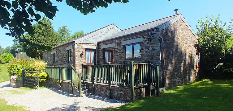 Bramble Cottage, self catering holiday cottage, sleeps up to 4 in a double bedroom and a twin bedroom